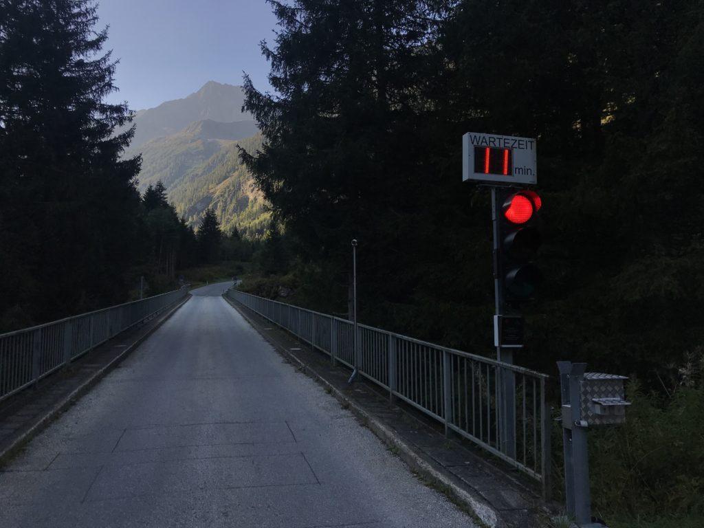 Schlegeis Alpenstraße: Die Ampel regelt den Verkehr