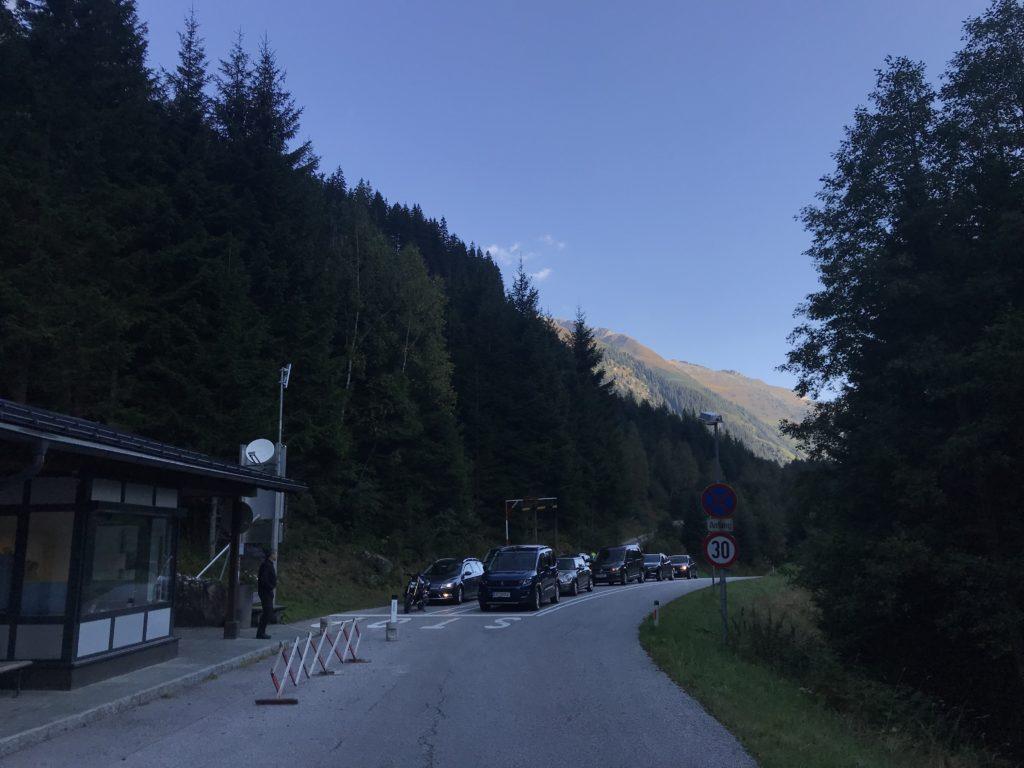 Schlegeis Alpenstraße - hier ist die Mautstation, der Beginn der Straße zum Schlegeisspeicher