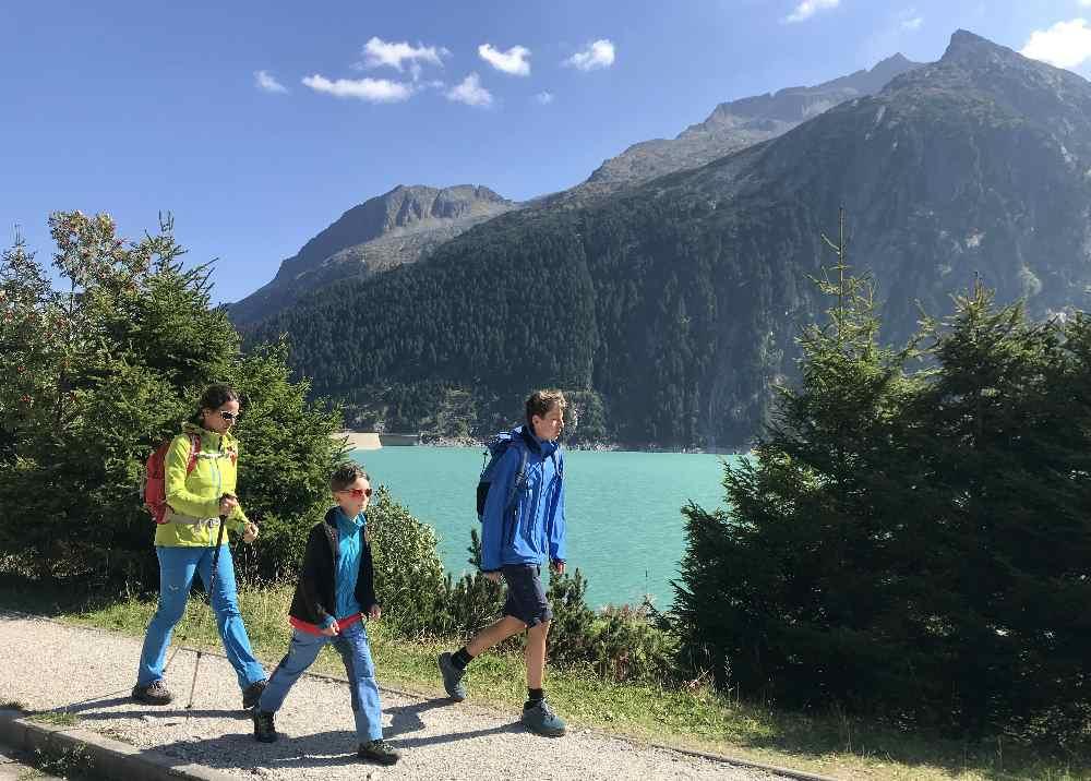 Schlegeisspeicher Rundwanderweg - leicht ist die Wanderung am See im Zillertal