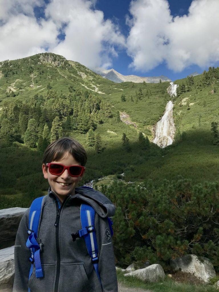 Schlegeisspeicher wandern mit Kindern - bei den Wasserfällen auf der Pfitscher Joch Wanderung