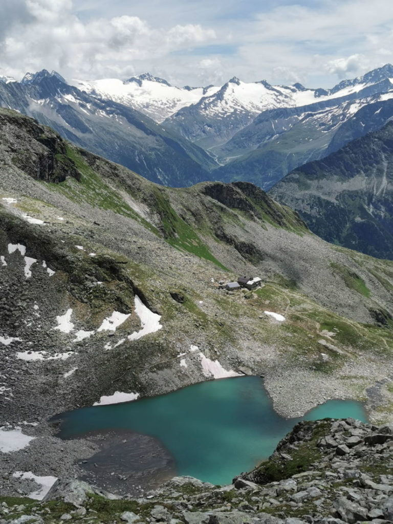 Blick auf den Friesenbergsee in den Zillertaler Alpen