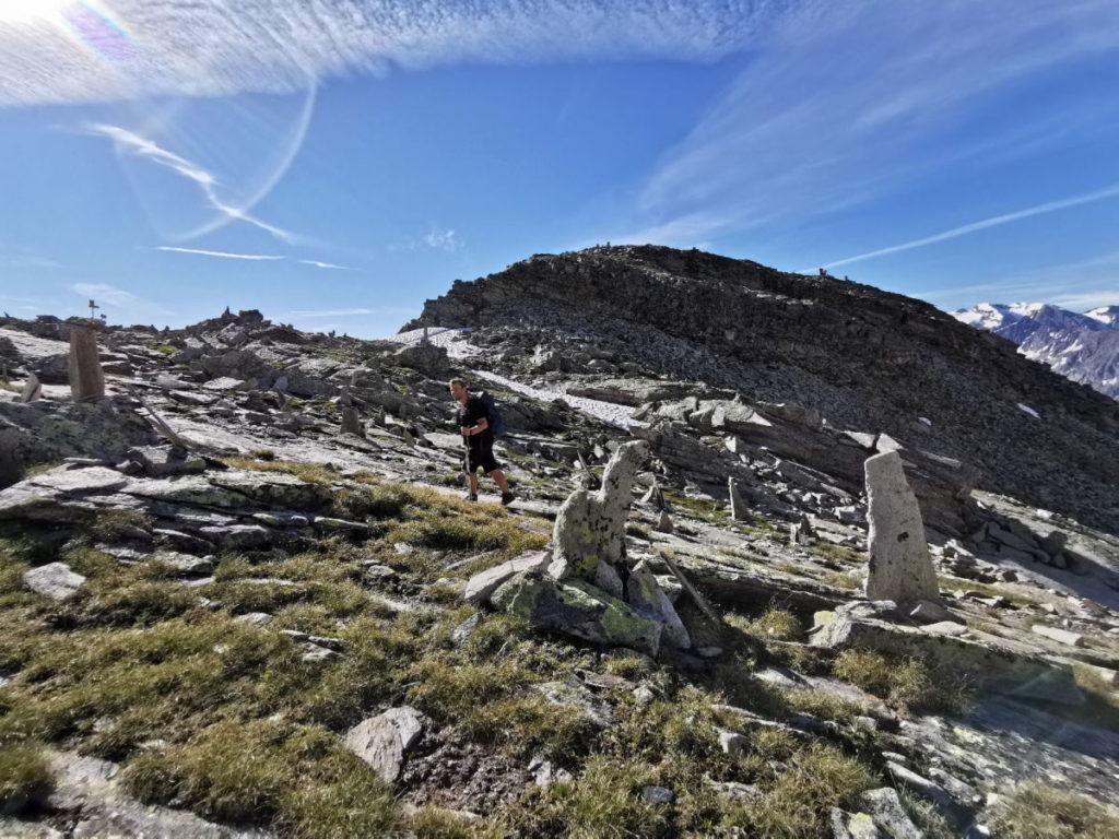 Aufstieg zum Petersköpfl und Hoher Riffler - viele Steinmännchen weisen den Weg