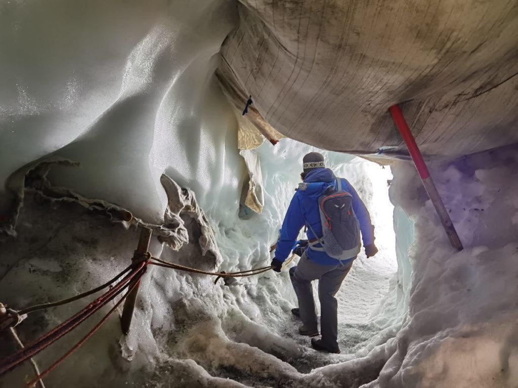 So geht´s in den Hintertuxer Gletscher hinein - in den Natur Eispalast