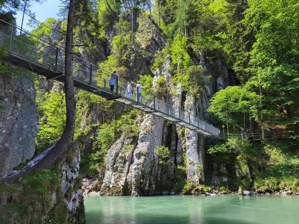 Ich zeige dir die 10 schönsten Hängebrücken für deine nächste Tour